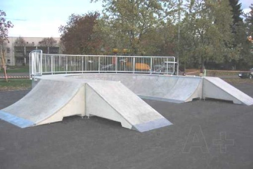 Open Bowl combi made of A+ URBAN DESIGN concrete Skateelements